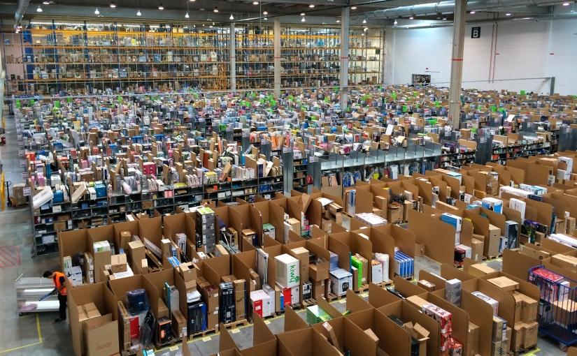 Il modello di lavoro Amazon: cosa si nasconde dietro la consegna in tempirecord